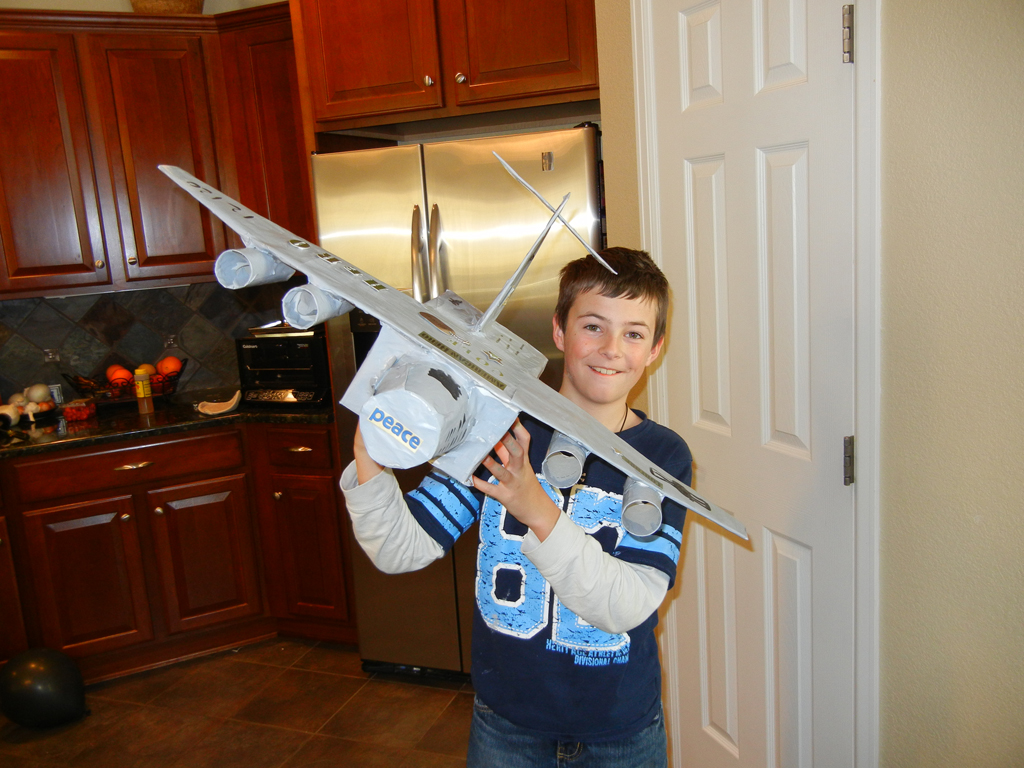 cole and his c17 bomber the back of the plane opens for the valentines - Boys Valentine Boxes
