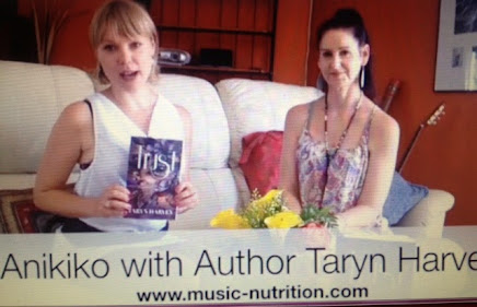 Interview with Taryn by Anikiko