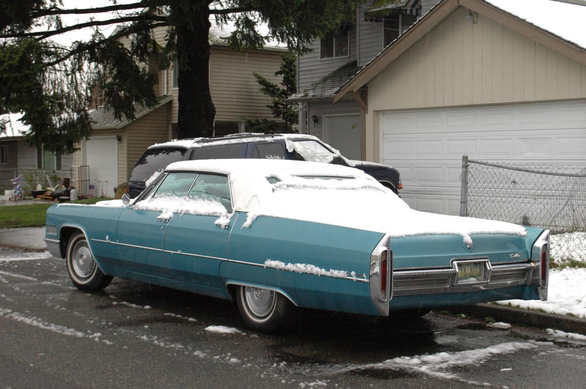 Old Parked Cars 1967 Cadillac Sedan Deville