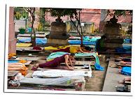 Budistas en Bodhgaya