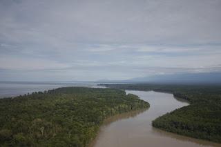 2. Pulau Laut dipandang dari Muara Sungai