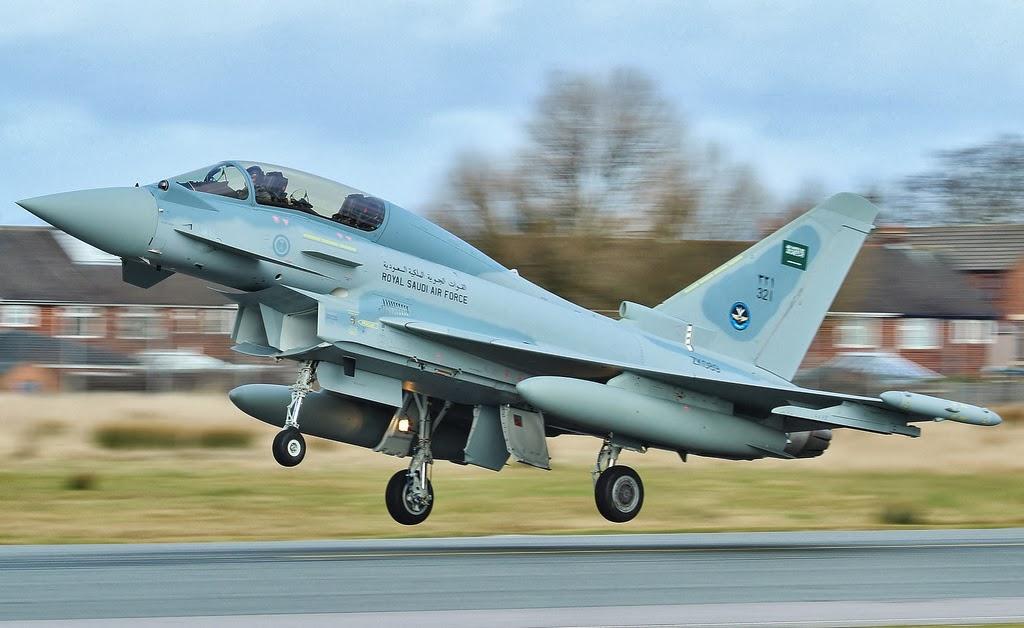 الموسوعه الفوغترافيه لصور القوات الجويه الملكيه السعوديه ( rsaf ) - صفحة 6 Saudi%2Btyphoon_2