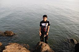 Pantai Marina Semarang: Pantai tak berpasir?