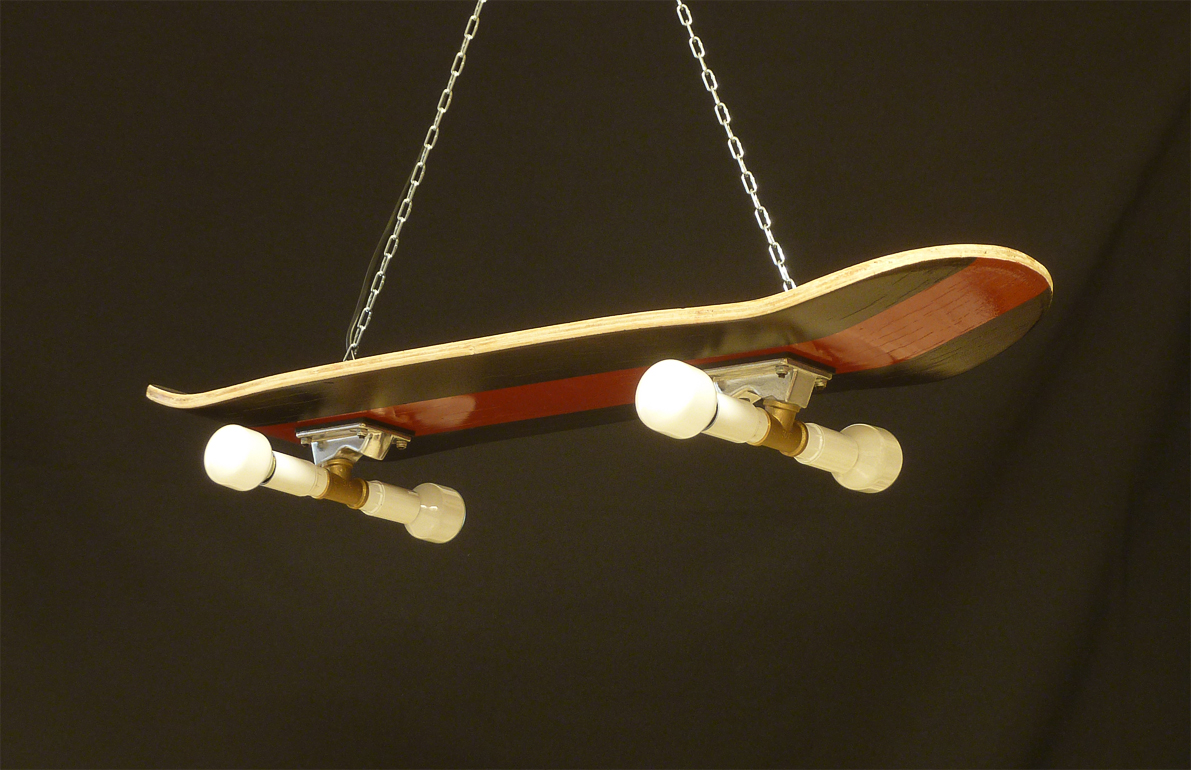 Dosdetres nuevos usos para objetos muertos l mpara skate - Lamparas originales ...