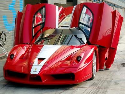 new model ferrari sport car