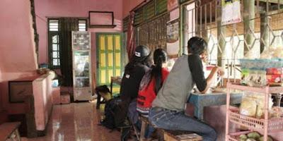 Sate Petir Pak Nano di dusun Menayu, Kelurahan Tirtonirmolo