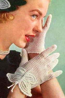 Gorgeous vintage butterfly gloves #vintage #gloves #crochet #butterfly