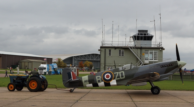 Aviones de la 2ª Guerra Mundial en el IWM de Duxford