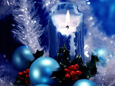 Free wallpapers of xmas decoration photo of beautiful candles in blue background to Download