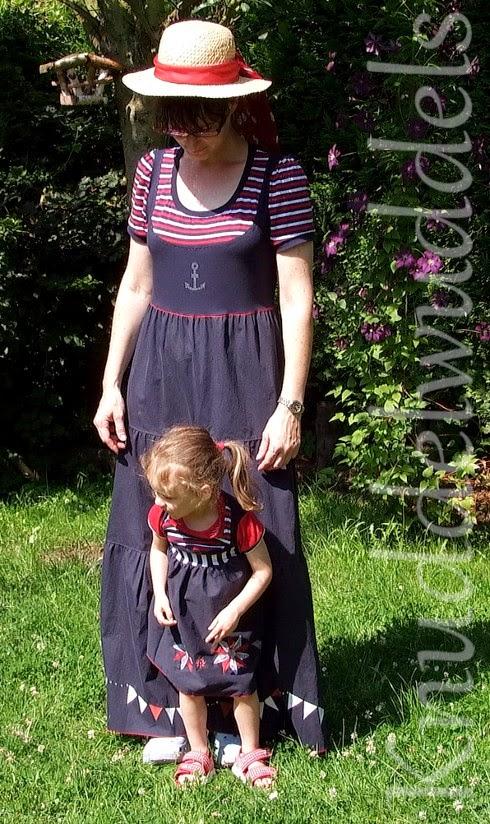 Kleid aus Malina, kleines Kleid aus Lina (beides von KiBaDoo, Frau Liebstes)