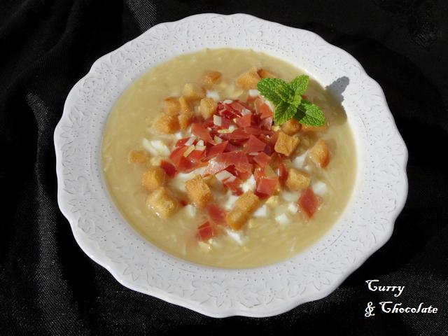 Picadillo soup Andalusian style - Sopa de picadillo