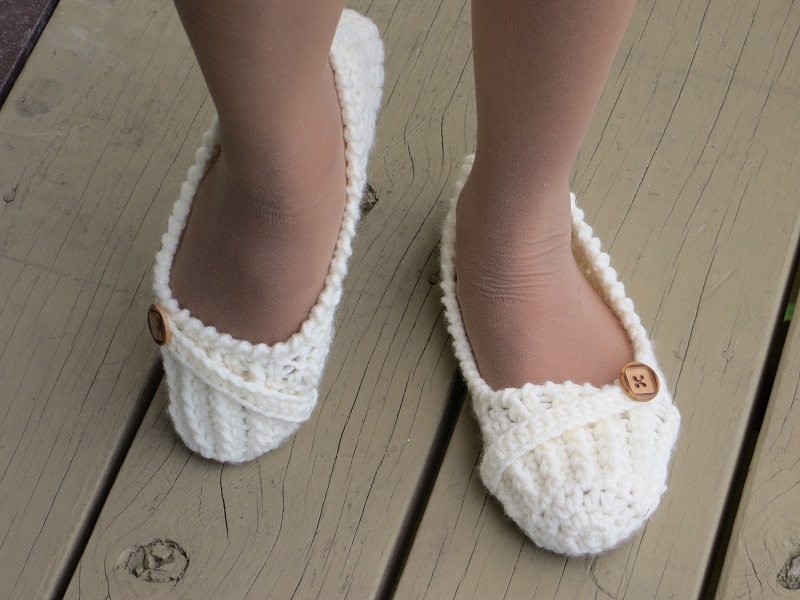 Crochet Slippers : Crochet Dreamz: Anne Lee Slippers, Crochet Slipper Pattern for Women ...