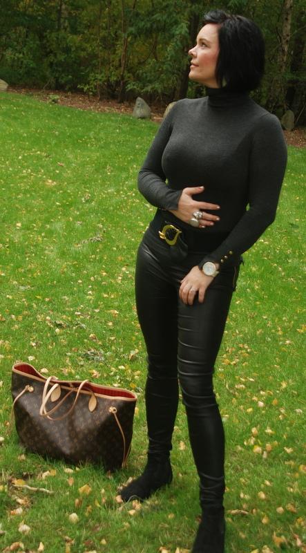 AnetteOlzon´s blog: Leather babe