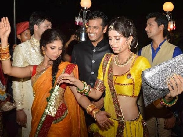 Wedding Images of Deepika Singh With director Rohit Raj Goyal Dancing Images