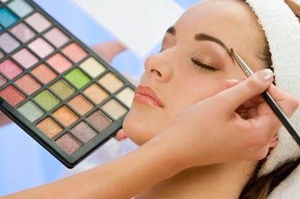 Cara Menggunakan Make Up Secara Natural