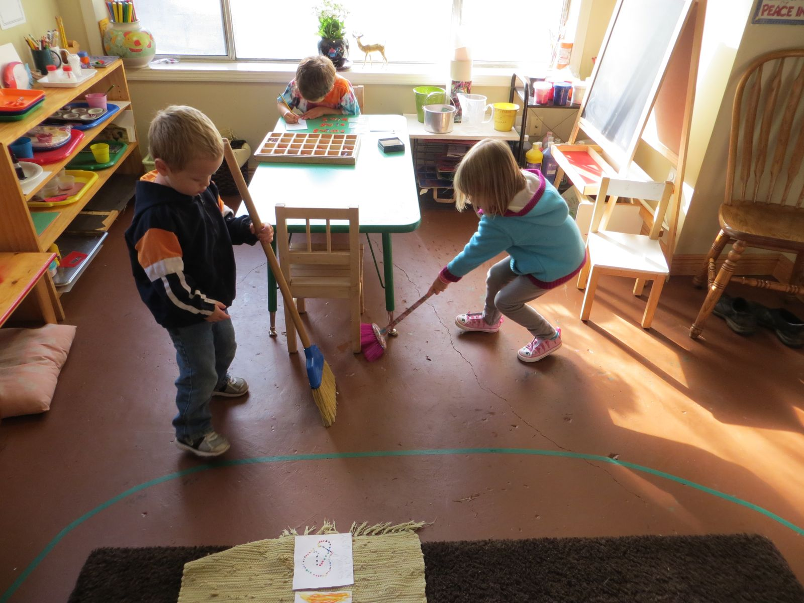 maria montessori and environment Montessori method (montessori) maria montessori the prepared environment- a major factor which sets apart montessori classrooms are their physical.