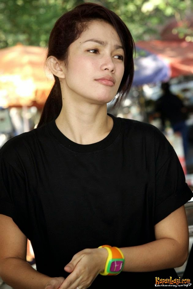 Foto Profil Artis Profil Artis Ussy Sulistiawaty