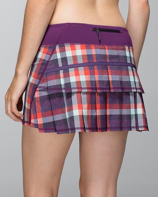 lululemon wheezy check berry yum yum pace setter skirt