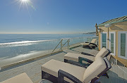 People comes with family to enjoy their vacations in Malibu beach homes.