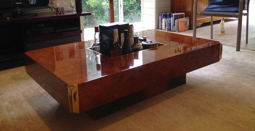 l 39 atelier de la marquise restauration table basse en loupe d 39 orme willy rizzo vernis au tampon. Black Bedroom Furniture Sets. Home Design Ideas