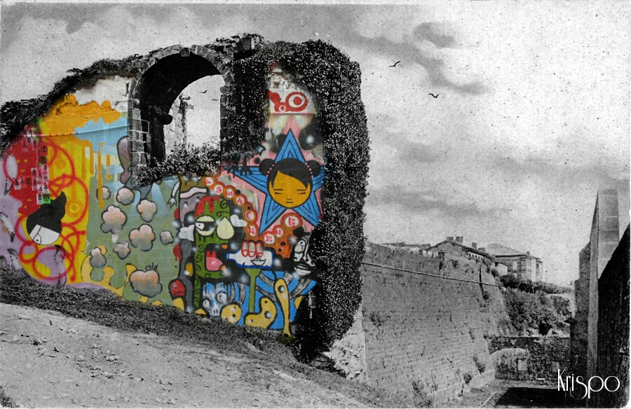 fotografia antigua de muro pintado y muralla de hondarribia