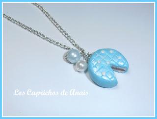 Collar tarta de arcilla polimerica azul _ Los Caprichos de Anais