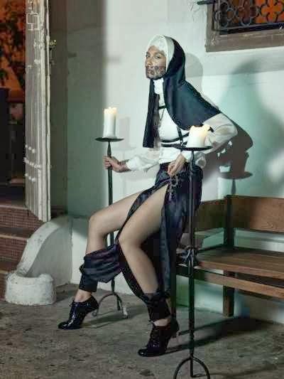 Фотограф Скай Тан (Skye Tan) сделал фотосессию Catholic Guilt,