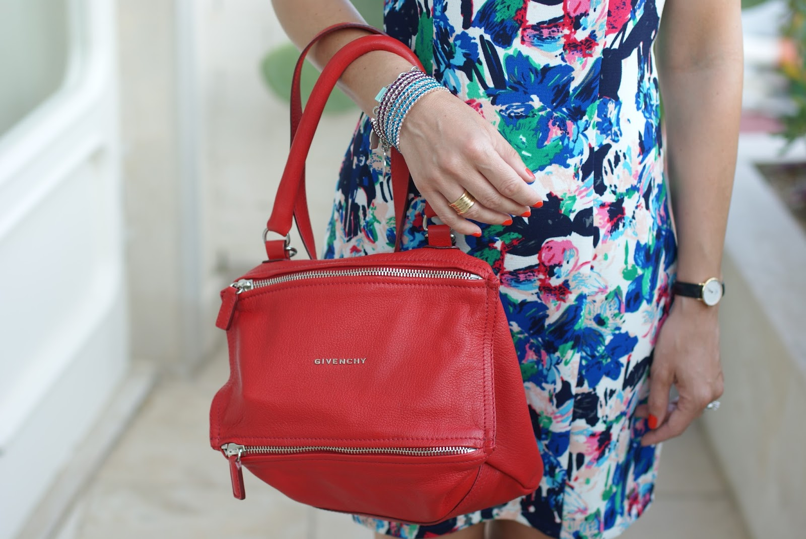 Givenchy bag and Luca Barra bangles on Fashion and Cookies fashion blog