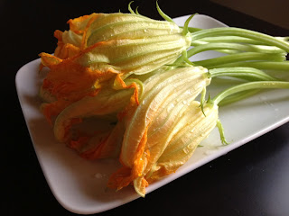 Recipe: (Beer battered) goat cheese stuffed squash blossoms