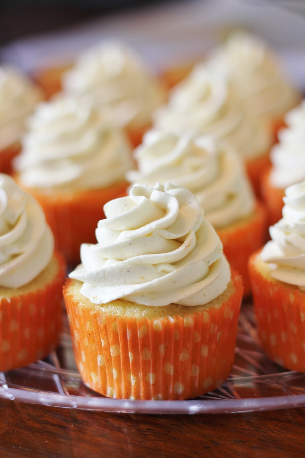 wrestled a cupcake once: Orange Creamsicle Cupcakes