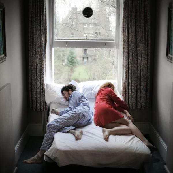 Fotos de una pareja en la cama