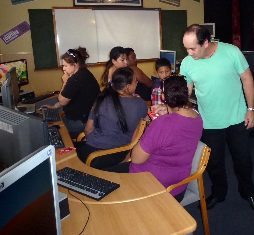 whanganui computers in homes making a digital difference for whanau in whanganui