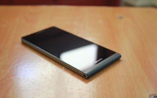 Hand on at the world's slimmest smartphone Huawei Ascend P6