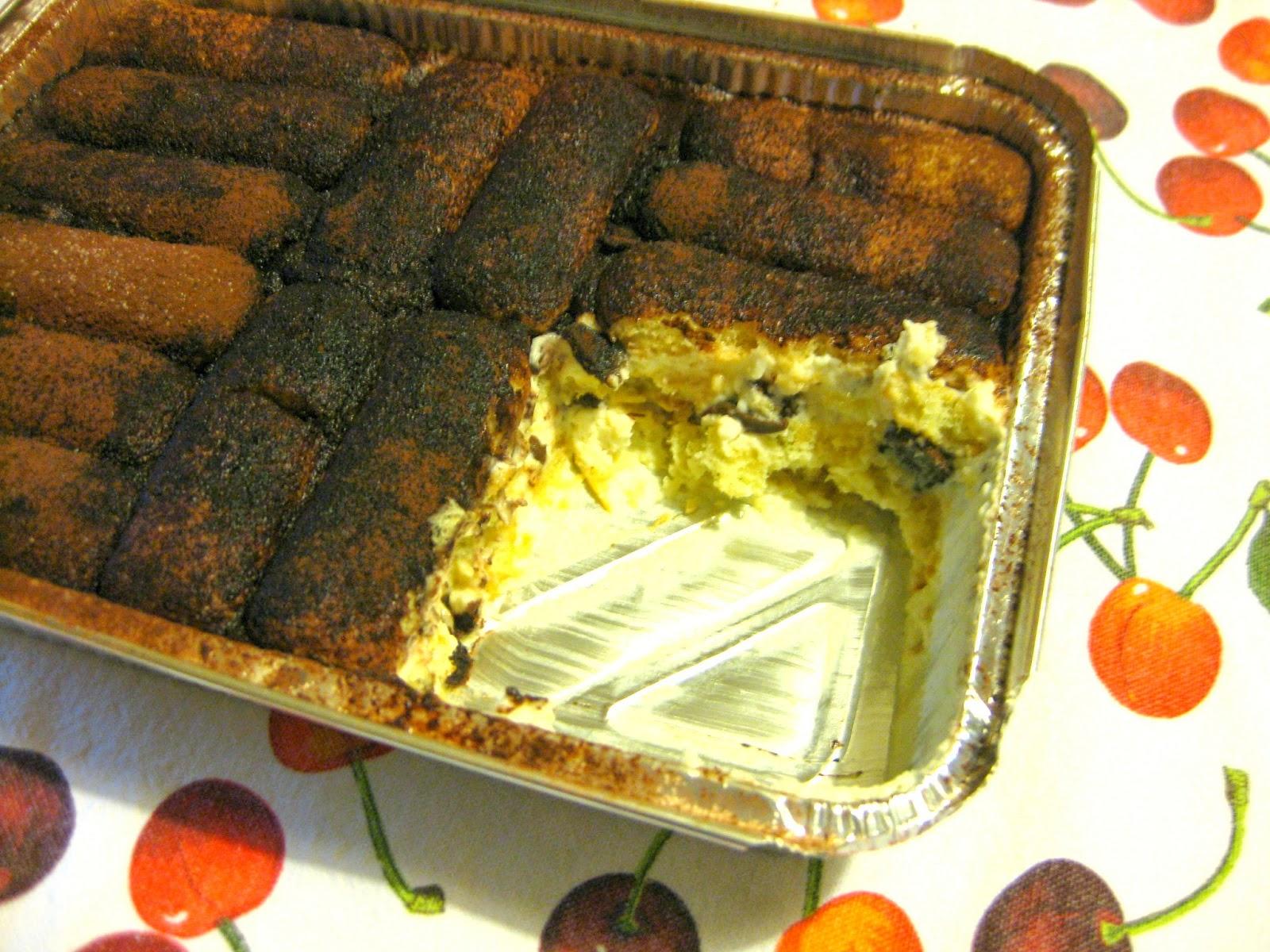 Il tiramisù è un dolce classico che viene rivisitato in chiave estiva con ricotta e cioccolato.
