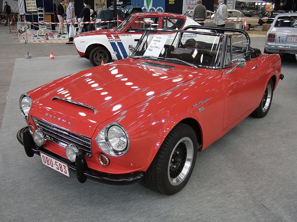 Datsun Fairlady 1600, klasyczne japońskie samochody, stare roadstery, kultowe auta, motoryzacja ze starych lat