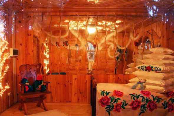 Snow_Maidens_Bedroom_in_Belarus