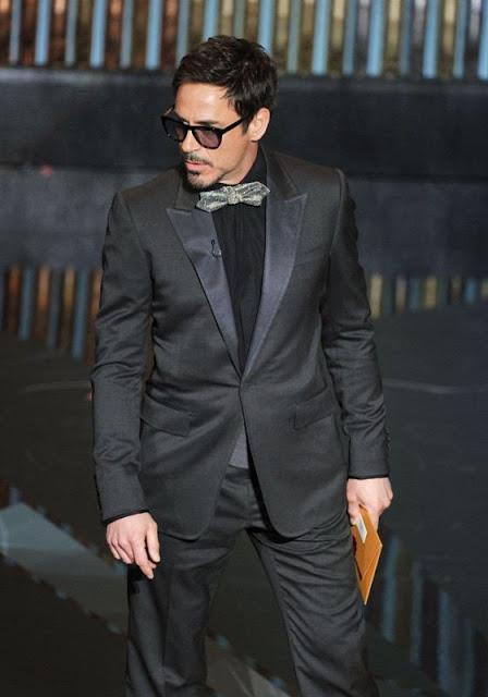 Look Robert Downey Jr Oscar 2012
