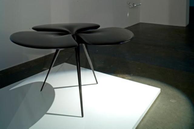 table deco design noire laquee