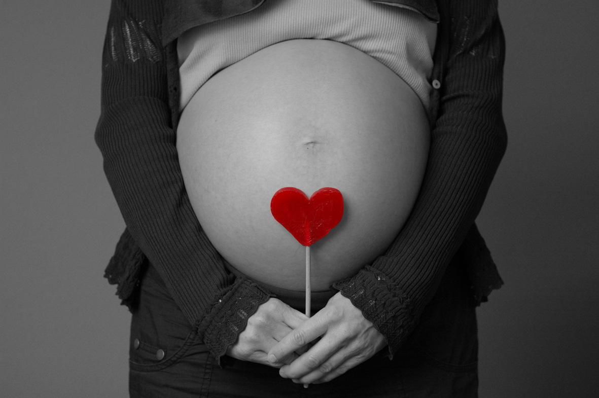 Divinamente embarazada en la oficina - Parte 1