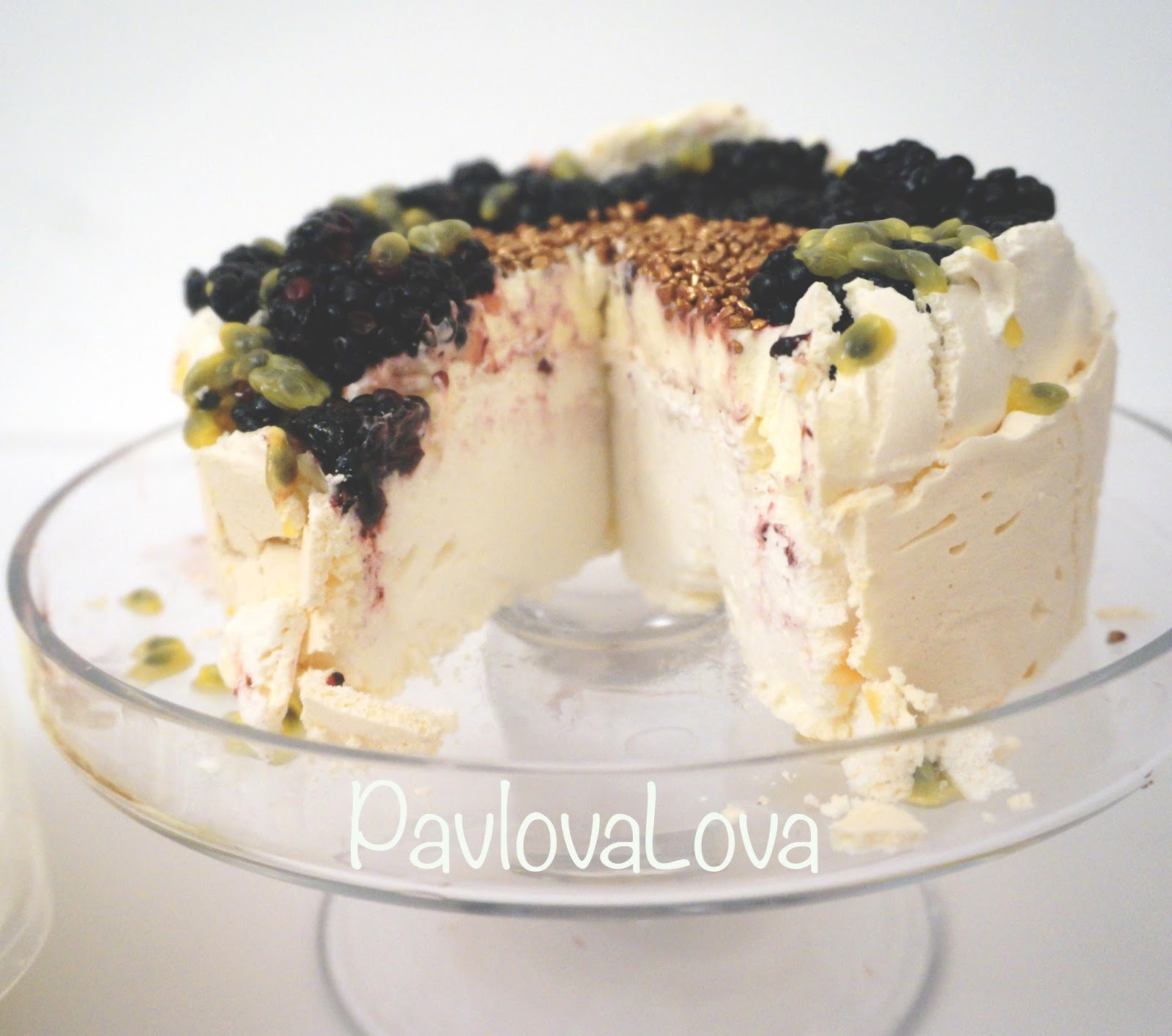 meg-made: Aussie Pavlova with blackberries and passionfruit