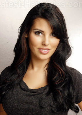 layer rambut untuk membuat wanita terlihat muda