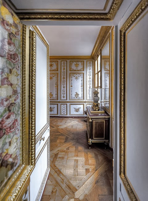 Gods and foolish grandeur le cabinet de la garde robe of for Chambre louis xvi versailles