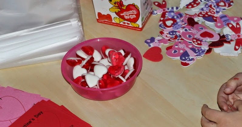 Simple Valentines Day Cards for Nursery Friends Play and Learn – Simple Valentines Day Cards