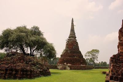 Wat Maha That Chedis Ayutthaya