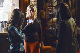 Pretty Little Liars S03E22. Will the Circle Be Unbroken?