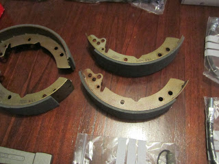 New Volvo Amazon drum brake shoes
