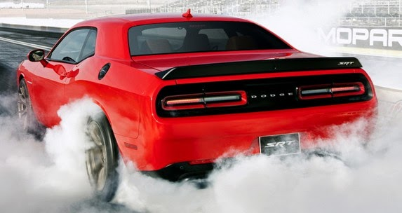 Dodge Challenger SRT Hellcat, trasera