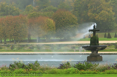 automne fontaine vent tempête jardins château Fontainebleau Seine-et-Marne