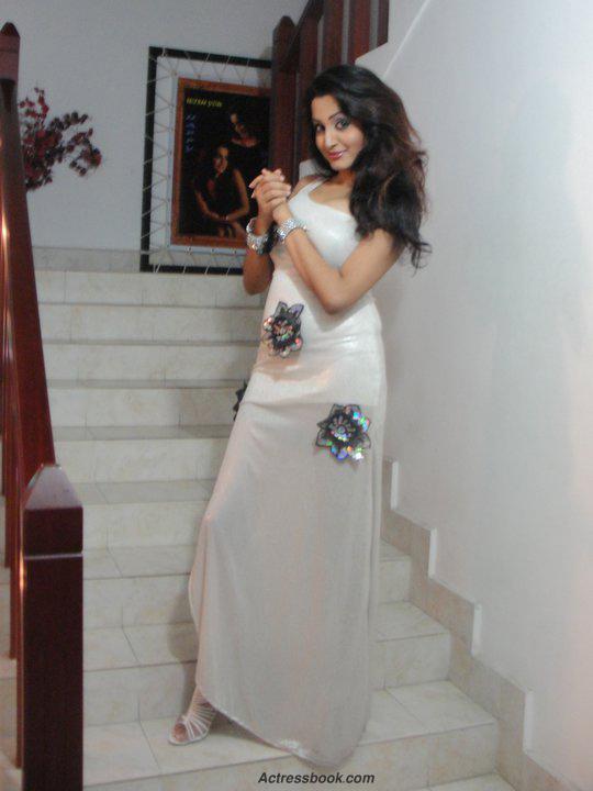 Madhavi Kaushalya Sri Lankan Hot Model and TV Presenter Latest Photo Shoot Gallery unseen pics