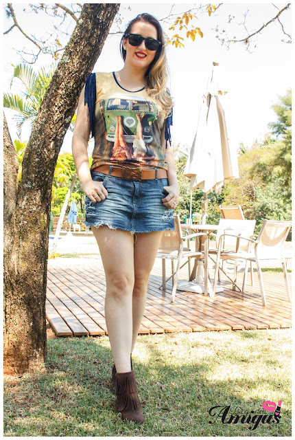 Look Shorts Saia + Tee Shirt de franjas